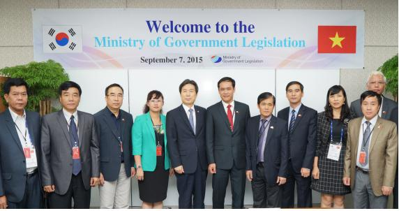 MOLEG, Brief meeting with Vietnamese Delegates photo